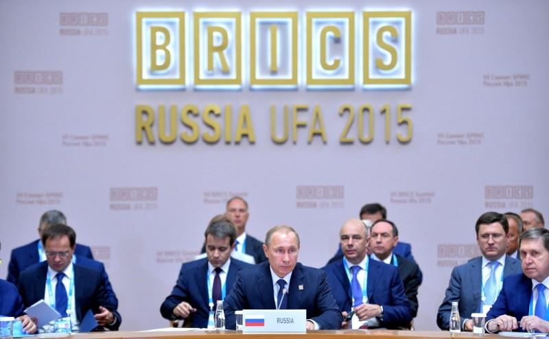Путин возглавляет подъём БРИКС
