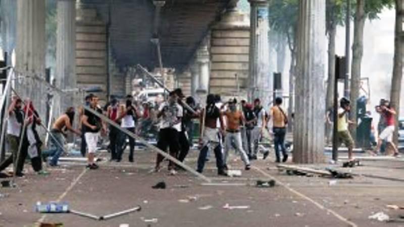 Modern-French-thugs