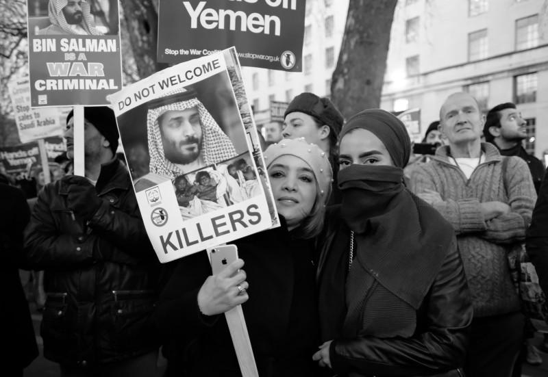 Протесты в Лондоне против саудовской бомбежки Йемена, март 2018 года.
