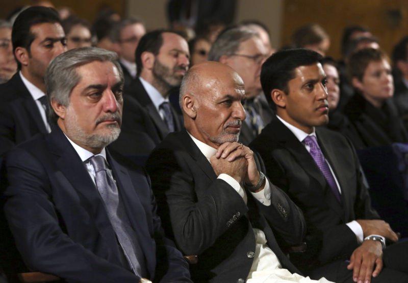 Президент Афганистана Ашраф Гани рядом с Абдуллой Абдуллой