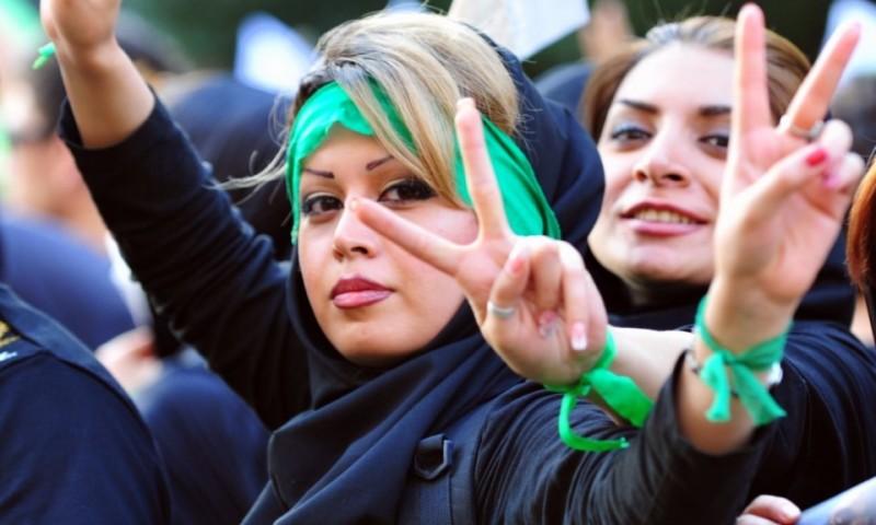 В 2015 году женщины составляли около 70% среди студентов иранских научных и технических факультетов.