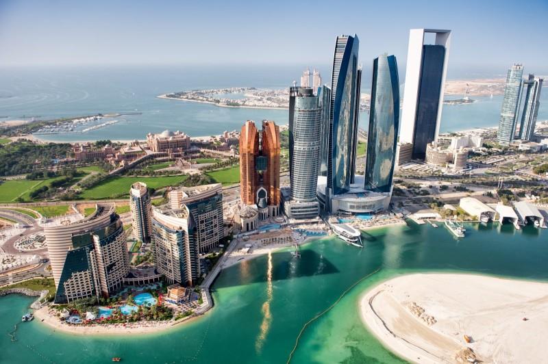 Небоскрёбы в Абу-Даби. Деловые круги ОАЭ и других частей Ближнего Востока раздумывают о том, чтобы войти в проект Инициативы.