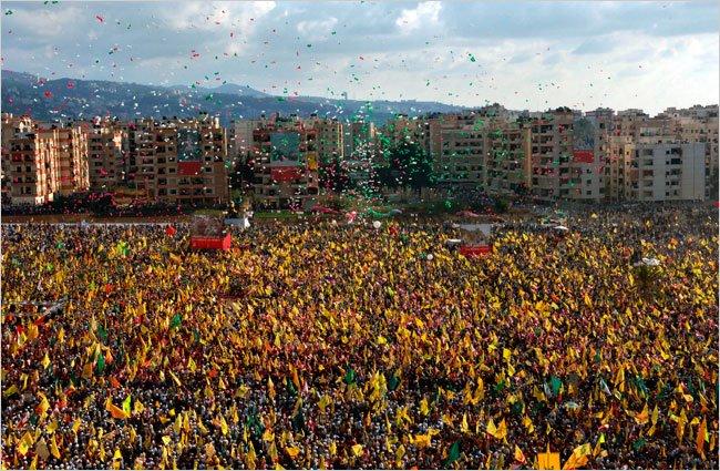 2006 год: народ Ливана празднует победу, которая обратила вспять англо-сионистский империализм.